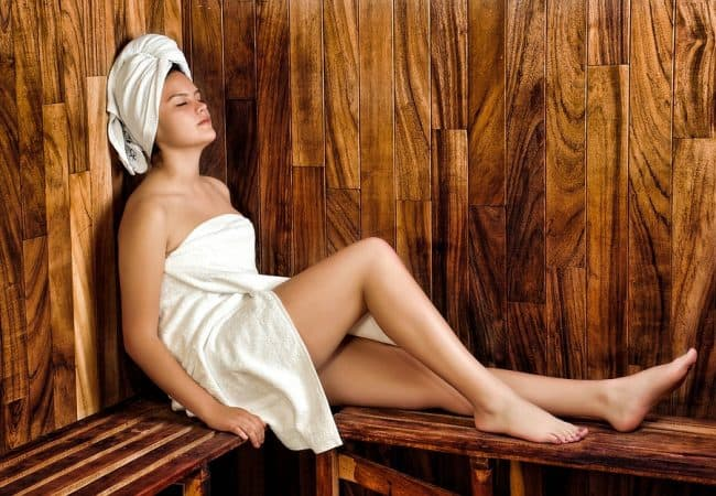 How Long To Stay In Sauna: Safety Tips and Treatment Advice
