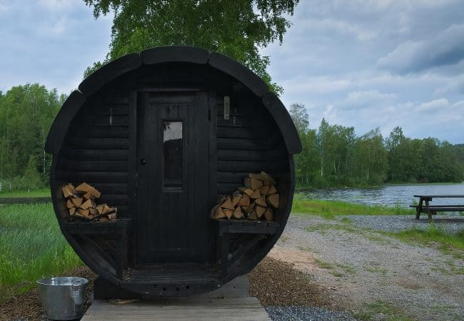 Indoor vs Outdoor Saunas – Which One Is Better For You?