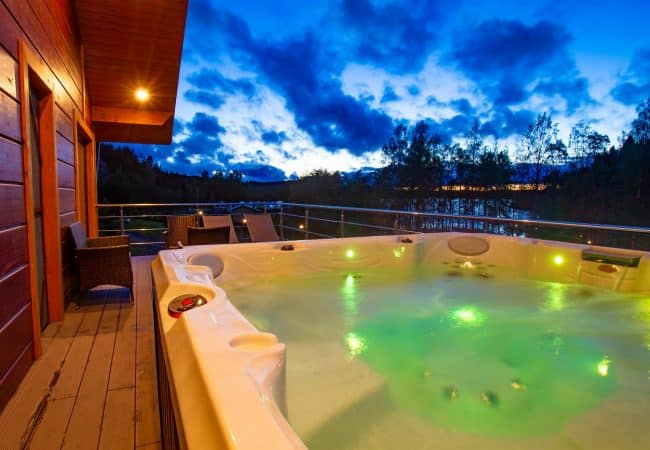 How To Clean And Maintain A Hot Tub
